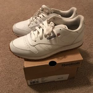 Reebok sneakers- Classic white leather
